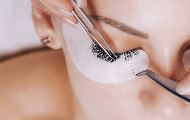 Jasa Eyelash Extension Terbaik di Makassar (Sambung Bulu Mata)